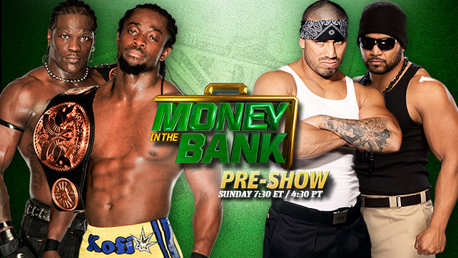 R-Truth et Kofi Kingston vs Hunico et Camacho